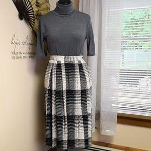 Vintage 1970s pleated skirt